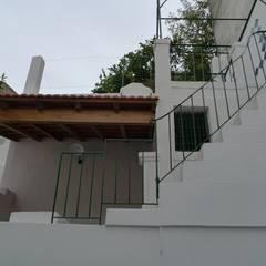 Gloria House, S. José Lisbon 2010: Jardins de Inverno  por QFProjectbuilding, Unipessoal Lda