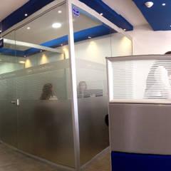AGENCIA DE EMPLEO CAFAM / FUSGASUGÁ NOV 2014: Edificios de oficinas de estilo  por Kraft Atomo Arquitectura / Urbanismo / Paisajismo, Minimalista