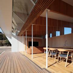 بالکن،ایوان وتراس by 桑原茂建築設計事務所 / Shigeru Kuwahara Architects