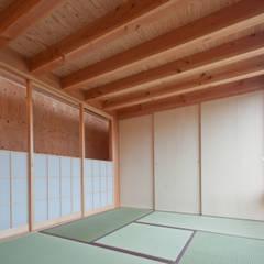 神戸町の家: FrameWork設計事務所が手掛けた和室です。