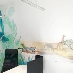 Biuro Podróży: styl , w kategorii Salon zaprojektowany przez Pracownia Projektowa Hanna Kłyk