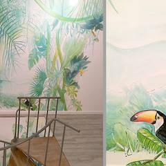 Biuro Podróży: styl , w kategorii Korytarz, przedpokój zaprojektowany przez Pracownia Projektowa Hanna Kłyk