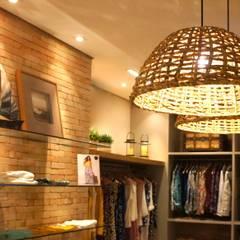 Geschäftsräume & Stores von Elisa Vasconcelos Arquitetura  Interiores, Rustikal