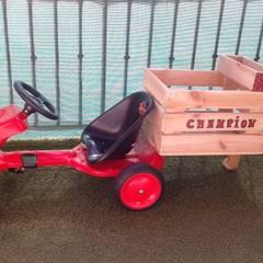 Kart à pédales: Chambre d'enfant de style  par amour de palette création