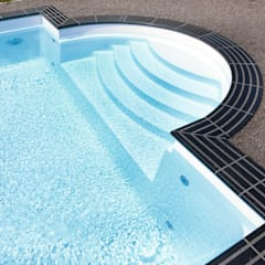 Die Römische Treppe: ausgefallener Pool von Hesselbach GmbH