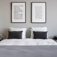 Eikelenburg:  Slaapkamer door Mariska Jagt Interior Design