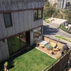 Pequeño jardín con terraza mirador: Jardines de estilo  por Arquiespacios
