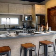 : Cocinas de estilo  por Con Contenedores S.A. de C.V., Industrial