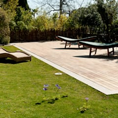 Wood deck Covered Movable Floor:  Pool by AGOR Engineering