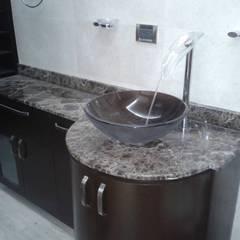 MUEBLE LAVABO BAÑO PRINCIPAL: Baños de estilo  por CelyGarciArquitectos c.a.