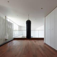 披露山_海の家: Mアーキテクツ|高級邸宅 豪邸 注文住宅 別荘建築 LUXURY HOUSES | M-architectsが手掛けたホームジムです。