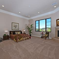 Santaluz Vacant Staged to Sell:  Bedroom by Metamorphysis Home Staging Services