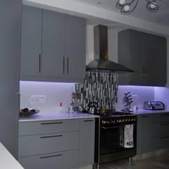 Project : Jackson:  Kitchen by Capital Kitchens cc,
