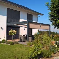 Outdoor Räume: moderner Garten von Textile Sonnenschutz- Technik