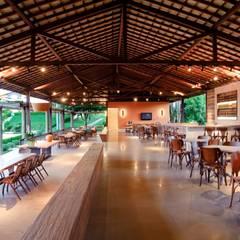 Arquitetura de Haras - Jacuípe Ba: Edifícios comerciais  por Roberta Rennó Arquitetura