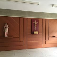 Proyecto Capilla Colegio Mater Salvatoris: Paredes de estilo  por THE muebles,
