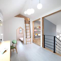장성 - 세아이가 있는 하얀집: 주택설계전문 디자인그룹 홈스타일토토의  아이방,