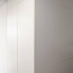 Lublin | Bazylianówka: styl , w kategorii Garderoba zaprojektowany przez Marta Wypych | pracownia projektowa