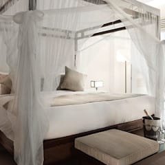 Amara Sanctuary - Larkhill Terrace:  Hotels by Deirdre Renniers Interior Design,Tropical