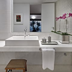 Bathroom by David Guerra Arquitetura e Interiores