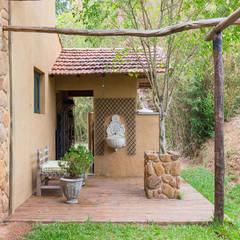 Deck externo: Jardins  por Valquiria Leite Arquitetura e Urbanismo