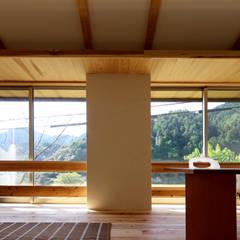 M邸ー大きな窓の家: C-design吉内建築アトリエが手掛けた窓です。,