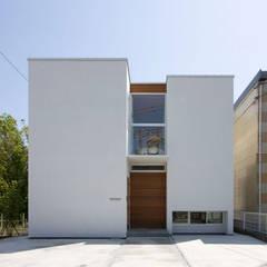 光と眺望を楽しむ家: 株式会社Fit建築設計事務所が手掛けた家です。