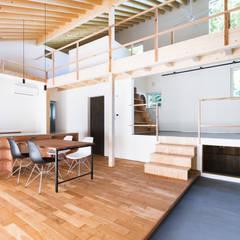 奏でる家: 一級建築士事務所 Atelier Casaが手掛けた壁です。,