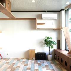 CAT INN TOKYO 板橋本町ic-AB: &lodge inc. / 株式会社アンドロッジが手掛けた壁です。,ラスティック 木 木目調
