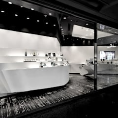 Erno Laszlo:  Commercial Spaces by FAK3