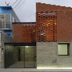 Casa Tadeo من Apaloosa Estudio de Arquitectura y Diseño إستعماري