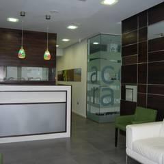 Clinics توسطVidal Bett Arquitecto, مدرن