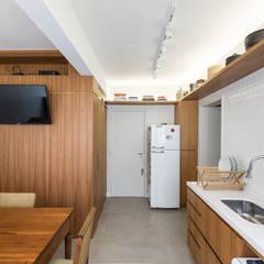 SRR   Cozinha: Cozinhas  por Kali Arquitetura