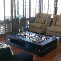 Salas de estilo ecléctico de CKW Lifestyle Associates PTY Ltd Ecléctico