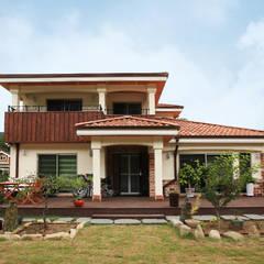 Casas de estilo  por 지성하우징