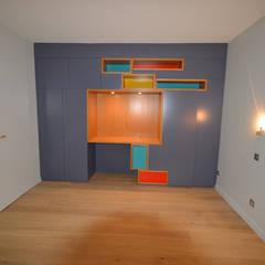 Maison  C  Veyrier du Lac : Chambre d'enfant de style de style Minimaliste par ARQUITECT CONCEPTION