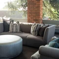 Ausgefallener Balkon, Veranda & Terrasse von CKW Lifestyle Associates PTY Ltd Ausgefallen