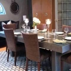 Salle à manger originale par CKW Lifestyle Associates PTY Ltd Éclectique