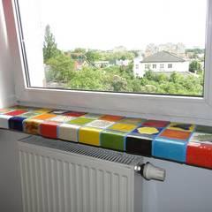 Parapet z kafelków: styl , w kategorii Pokój multimedialny zaprojektowany przez Dekory Nati