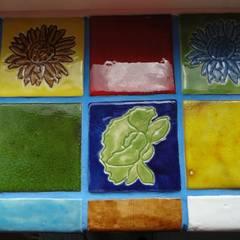 Kafelki na parapet: styl , w kategorii Pokój dziecięcy zaprojektowany przez Dekory Nati
