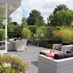 Terras: klasieke Tuin door Teo van Horssen Hoveniers