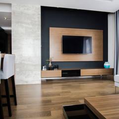 غرفة المعيشة تنفيذ Ormezowski - projektowanie wnętrz