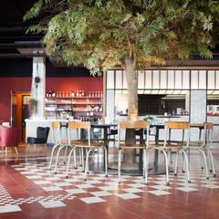 De Pastakantine Breda | Designtegels : eclectische Eetkamer door Designtegels