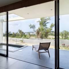 Hrf-house: Ikuyo Nakama Architect Design Officeが手掛けたプールです。