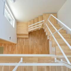 Corridor and hallway by 一級建築士事務所 ima建築設計室
