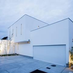 บ้านและที่อยู่อาศัย by MITSUTOSHI   OKAMOTO   ARCHITECT   OFFICE 岡本光利一級建築士事務所