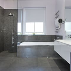Battersea Town House:  Bathroom by PAD ARCHITECTS