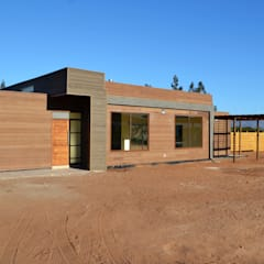 Prefabricated home by Casas Metal, Mediterranean میٹل