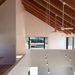 TNM: ZOYA Design Officeが手掛けた廊下 & 玄関です。