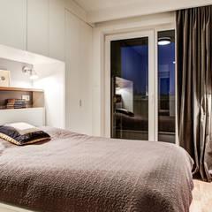 2-pokojowy apartamencik: styl , w kategorii Sypialnia zaprojektowany przez Perfect Space